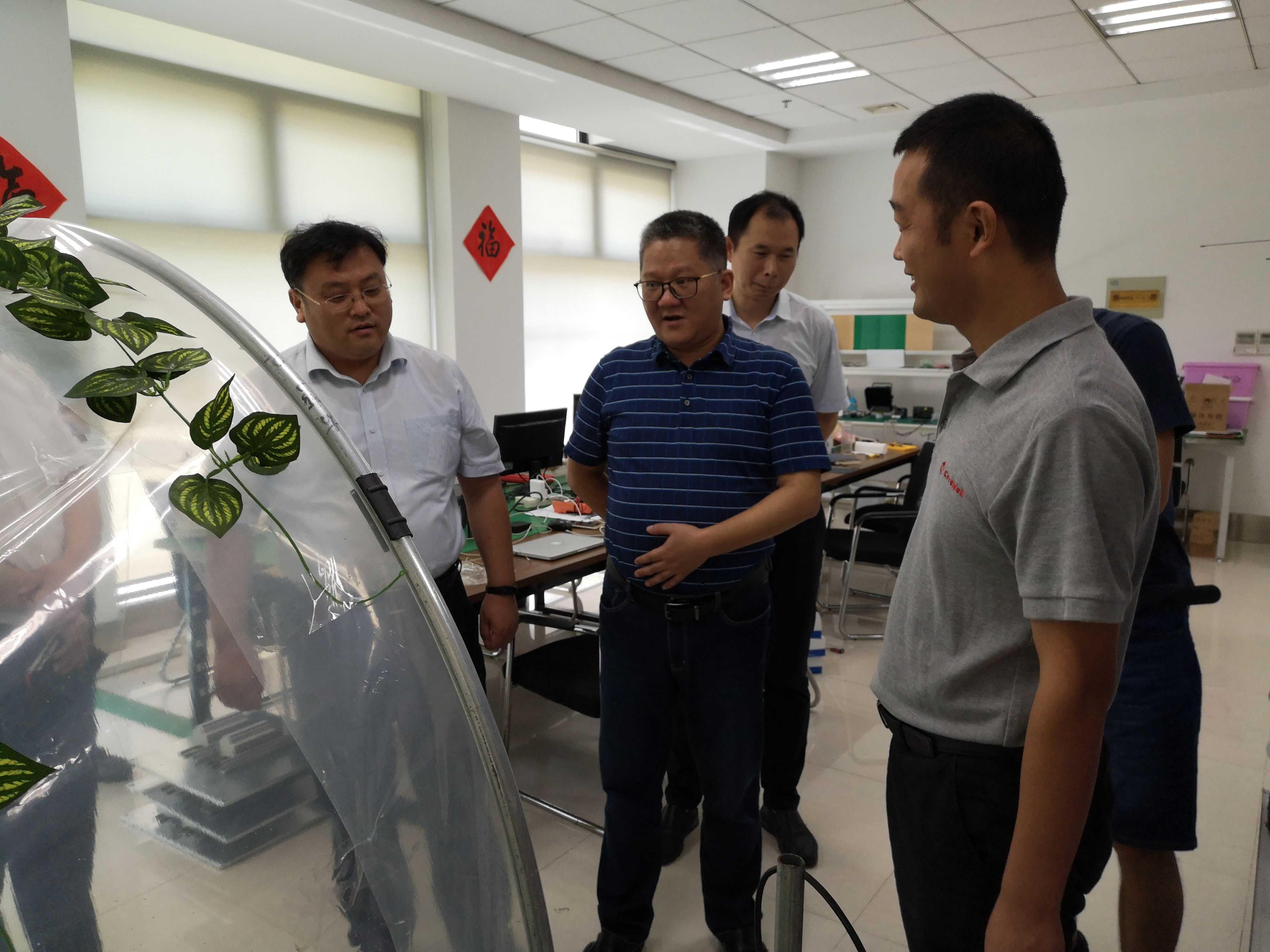 江宁区管委会副主任崔吉胜视察公司